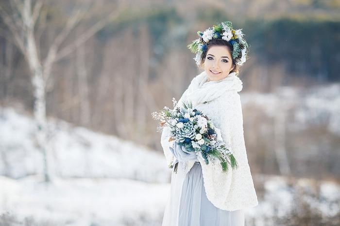 Красивая зимняя невеста